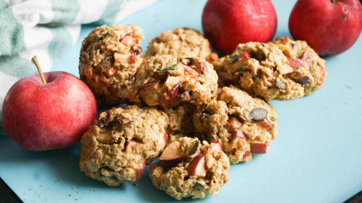 Ciasteczka z jabłkiem i rodzynkami