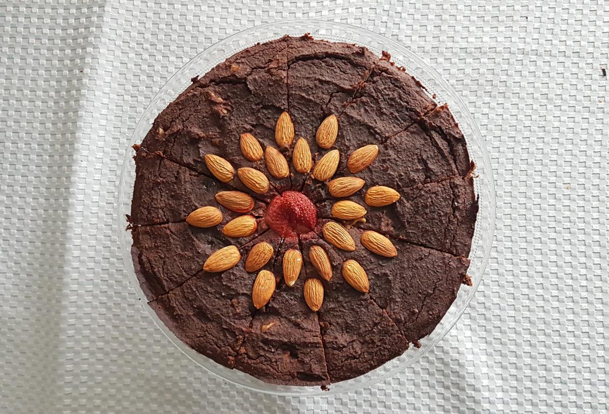 Brownie z fasoli z migdałami